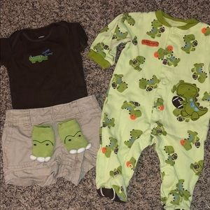 Infant Carters Gator Themed Outfit Set size:3mths
